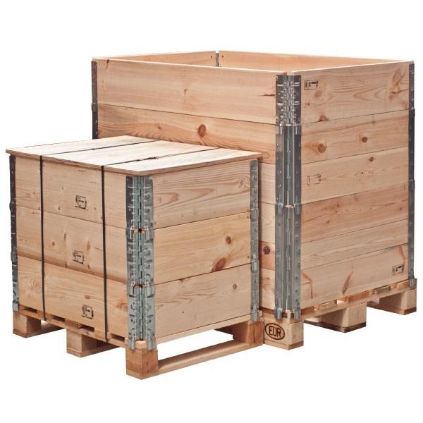 Casse in legno con collari parietali